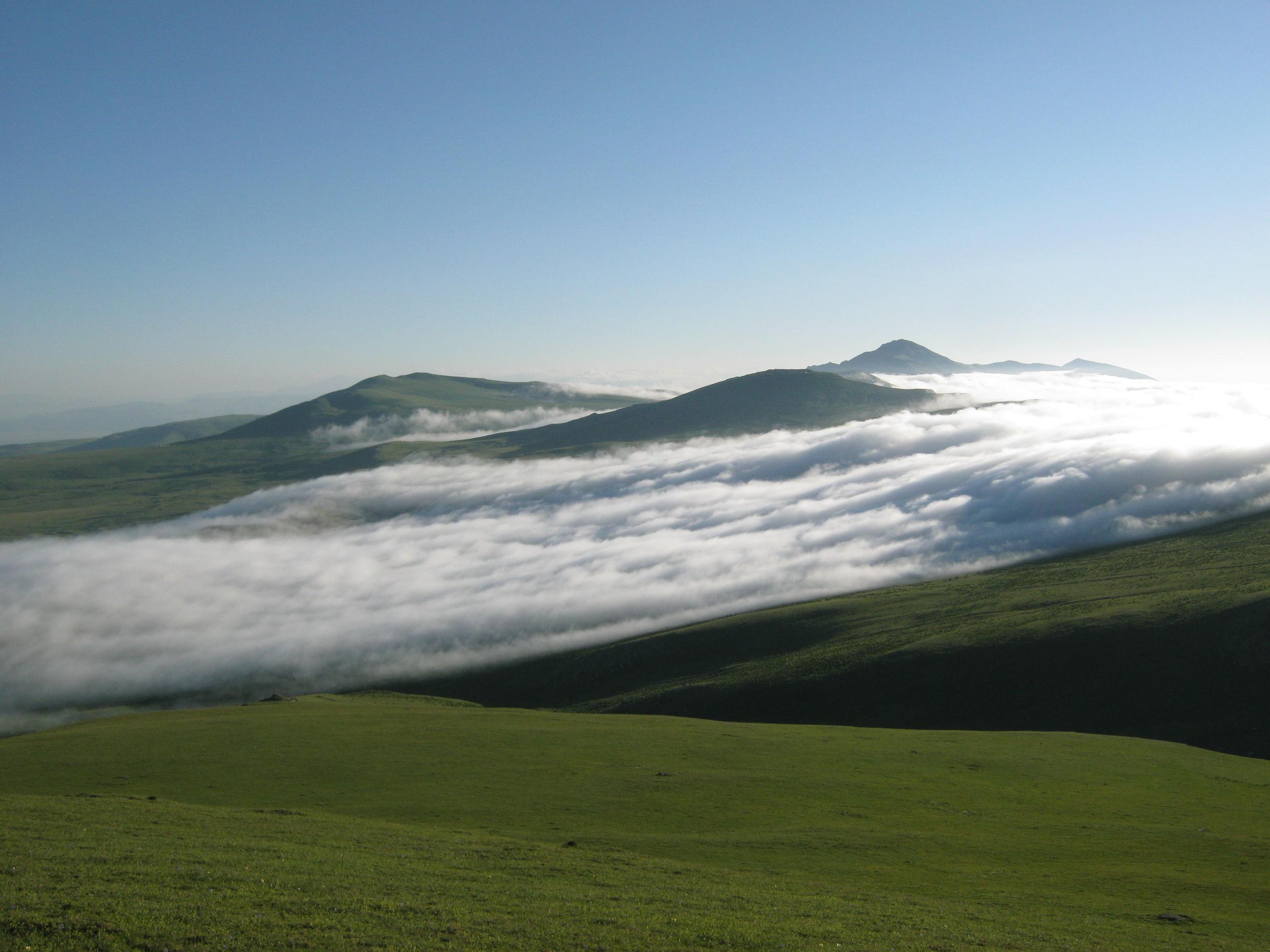 Туман в горах провинции Самцхе-Джавахетия
