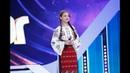 Roxana Pațanghel cântă o piesă din folclorul românesc, pe scena Next Star