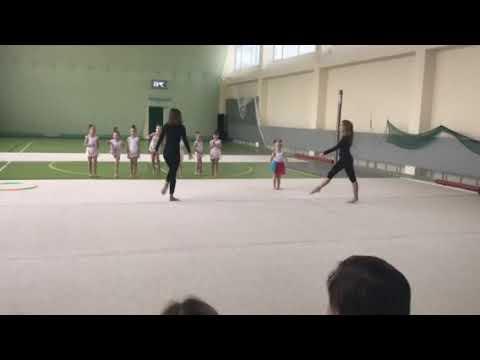 Выступление воспитанницы СК Авангард с тренерами
