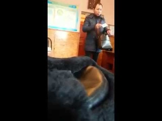 Полицейские Алматы сняли на видео допрос гея-проститутки из Атырау