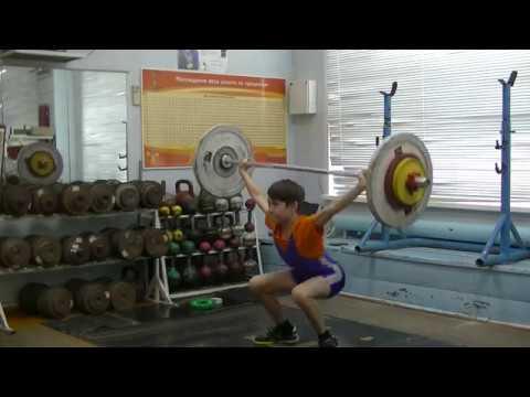 Шумихин Артур, собст вес 32 4 кг, 12 лет Рывок 28 кг 4х1 р