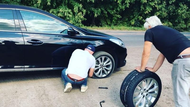 """ZLATA OGNEVICH on Instagram """"Вас вітають українські дороги... а точніше, відсилають на всім відомі 3 літери 🤣 Обіцяю, ми встигнемо на ювілейний ко..."""