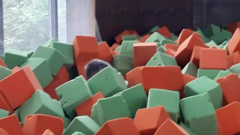 сальто назад с ботута в кубике