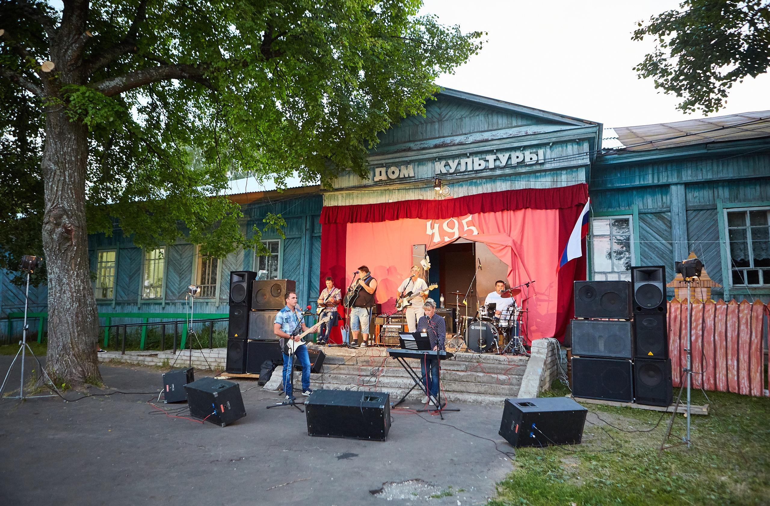 Скажите какого примерно года постройки дом культуры в Васильсурске?