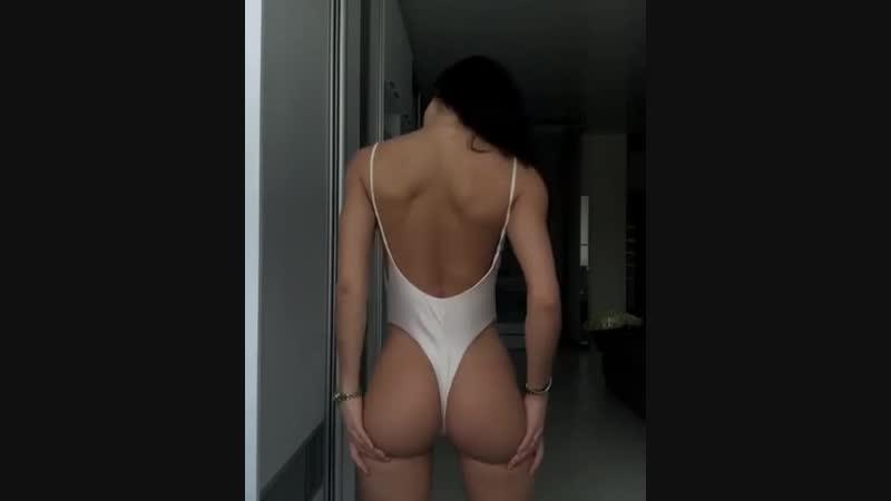 Крутая продавщица Юля порно велики фото демон глубокие глотки попов русских свингеров в отличном качестве отсос износиловала рус