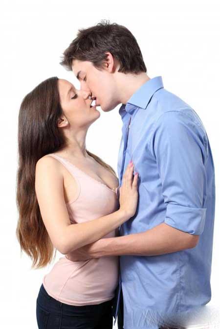 Мононуклеоз, или «болезнь поцелуев», может вызвать усталость и слабость.