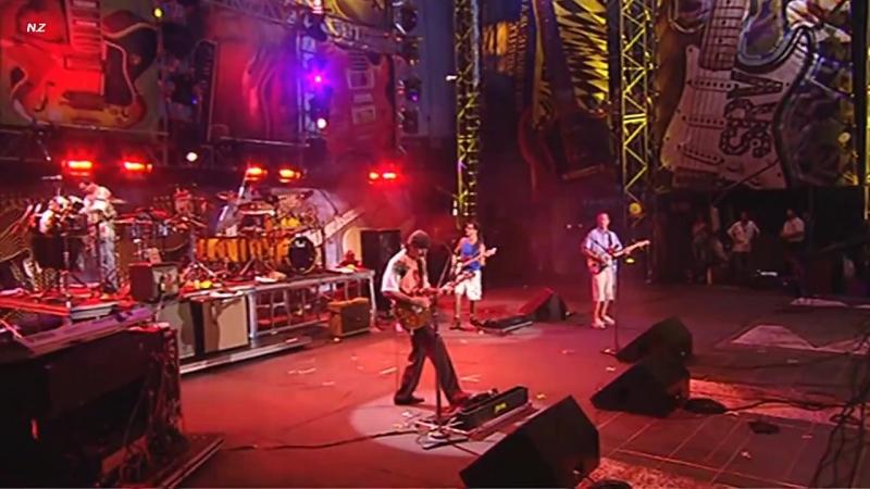 Carlos Santana Eric Clapton - JinGo (Jin-Go-Lo-Ba) 2004 Live