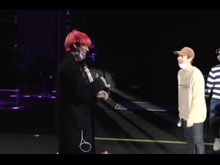 I love it so much when taehyung makes yoongi laugh like that.mp4