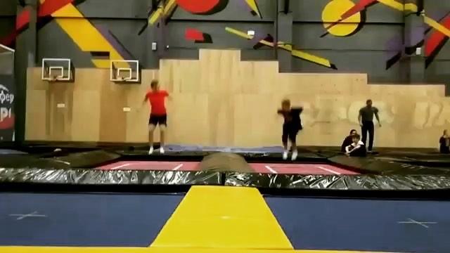 "Каскарёнок on Instagram: ""Ахаххахахаххаха, типо Синхрон @andrey_trampoline_tyumen @fizrastvor @baryshev__1 @sicktricks7 @worldtrick free wt23 ..."