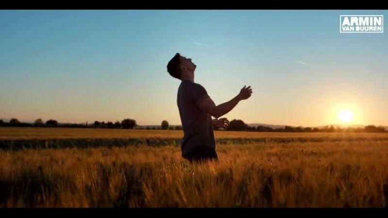 002 Armin van Buuren feat. Josh Cumbee - Sunny Days (Club Mix)