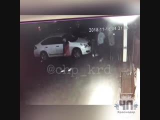 На Кубани пьяная компания подростков избила пенсионерку, которая попросила не кричать под окнами, чтобы не разбудить детей