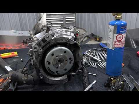 MEGA ELAN 925cc ENGINE TEAR DOWN TO CRANK PART 6!