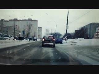 Момент ДТП возле завода Метеор (Ижевск, ул. Молодёжная, 111).