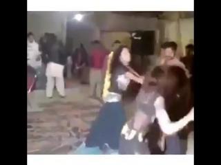 Танцевальная пауза с сюрпризом