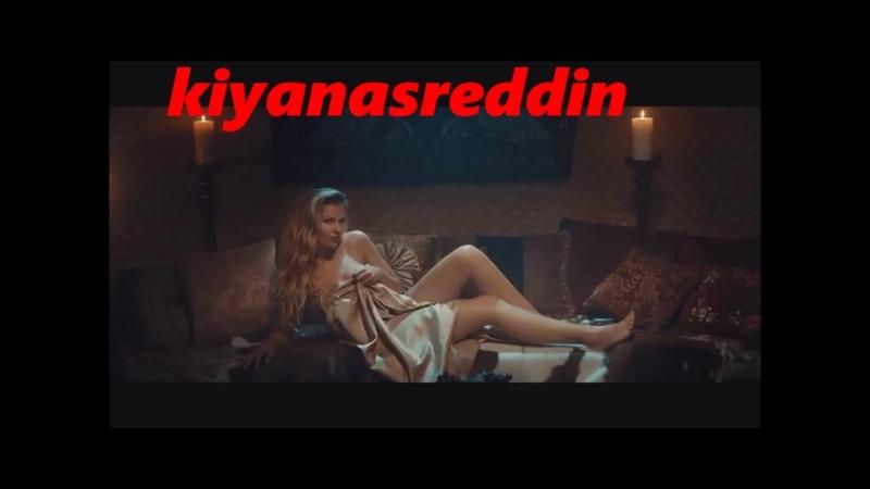 Türk filminde Memati (Gürkan Uygun) çıplak hatuna Kusura bakma bacı yanlış geldim )diyor