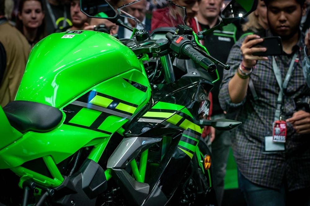Живые фото Kawasaki Ninja 125 2019