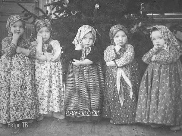 Во поле берёзки стояли!  Утренник в детском саду, 1950-е.