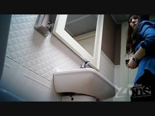 Cкрытая камера в туалете Только милые и красивые, подглядывание, voyeur, teen, sex и так далее