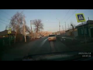 Мерседес по встречке авария с ВАЗ-2110, Омск