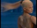 Пластичность Евы Шияновой - танец в муке