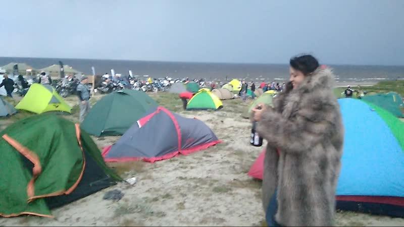 Карское море, шуба и шампанское