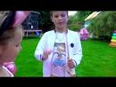 Мини Маус Мисс Кейти уборка в доме и Дети играют в кафе Мистер Макс и Мисс Кэти новое видео