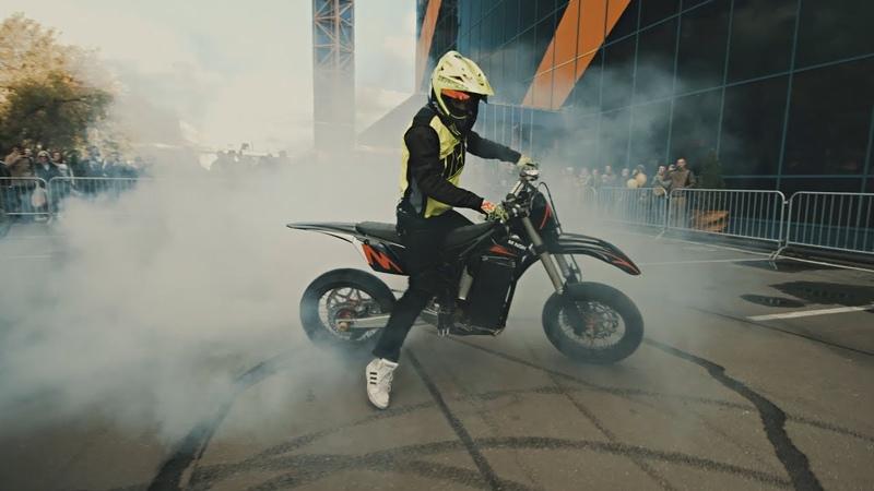 55kW electric motard stunt test