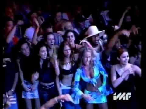 Eminem - The Real Slim Shady (Live) 2000 (Good Quality)