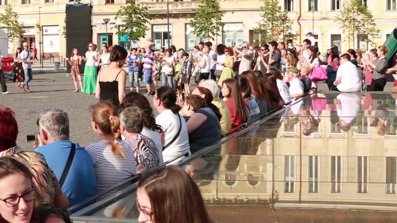 Flash mob ZORBA - Vino sa traiesti prin muzica si dans!