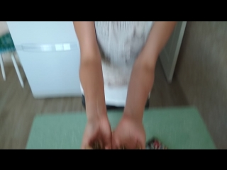 ОЧЕНЬ СИЛЬНАЯ ЖЕНА!! Юля ломает орехи голыми руками