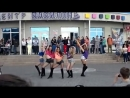 Красивые школьницы классно танцуют современный танец Современный танец в исполн