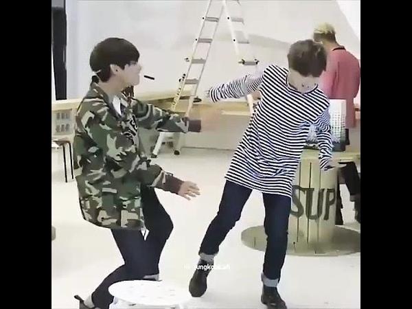 Jimin taehyung dance Aisyah Jatuh Cinta (TikTok Remix) - BreaksManado