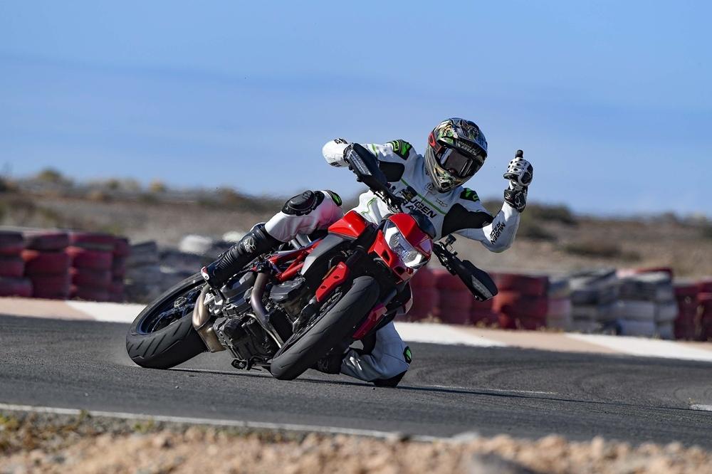 Рубен Чаус протестировал Ducati Hypermotard 950