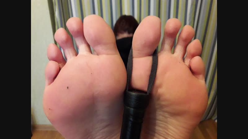 Мои ножки в ожидании бастинадо