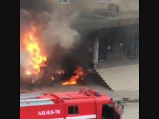 Сегодня, 8 февраля, в помещении пристройки по приготовлению шаурмы по улице Хуршилова в Махачкале произошёл хлопок газа.