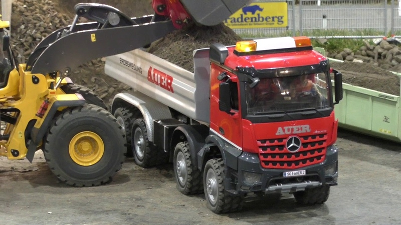 RC Truck Action! Trucks Construction Fun on a amazing Parcours @ Messe Graz 2018
