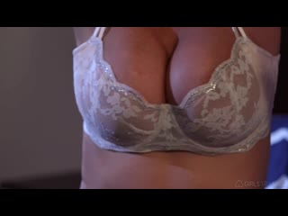 2 зрелые мамы трахают друг друга дилдом, lesbian sex mature busty milf woman marvel tit ass hd (инцест со зрелыми мамочками 18+)