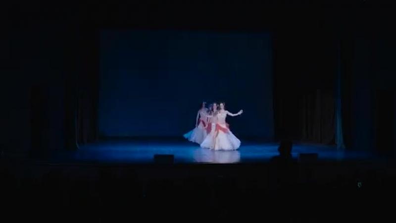 Müstika Dance Studio advanced dancers - Zeina belly dance with zills 24296