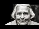 Баба Люба украшала подъезд цветами, но их воровали, портили. Она гениально справилась с хулиганами