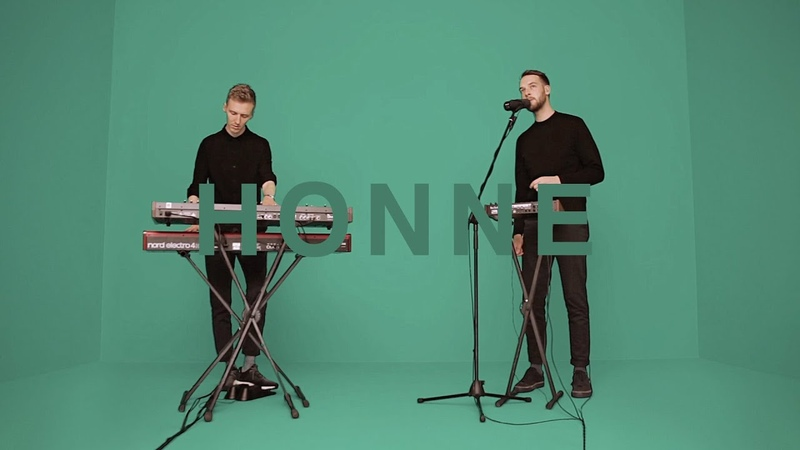 HONNE - WARM ON A COLD NIGHT | A COLORS SHOW