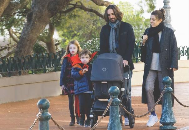 Шарлотта Казираги впервые вышла в свет после рождения второго сына