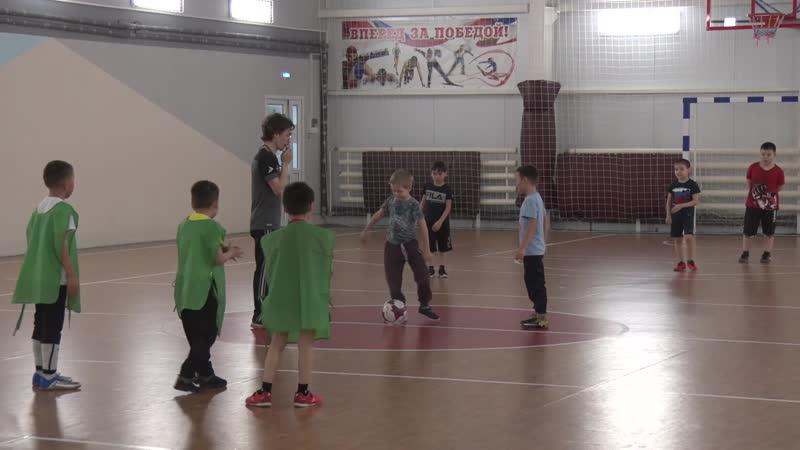 Работать на результат, а не массовость. В спорткомплексе Сеяхи открылась секция по мини-футболу для школьников