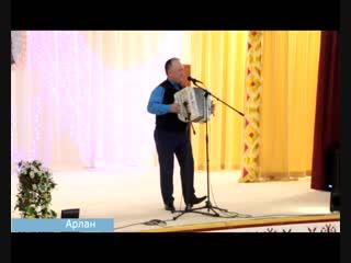 Пенсионеры Краснокамского района поют частушки и в быту, и на сцене