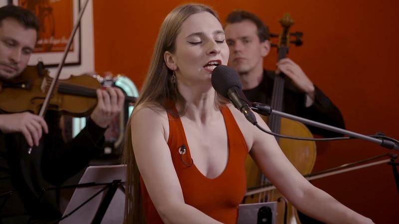 Barbora Mochowa - True Colors LIVE UNPLUGGED VERSION