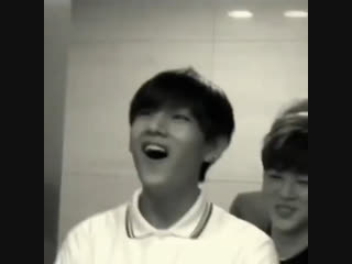 Taehyung's giggle is the best thing in the world