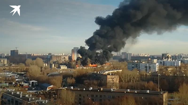 Пожар в районе метро Кузьминки в Москве