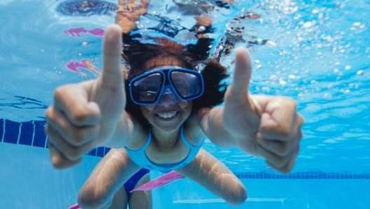Преимущества плавания в бассейне