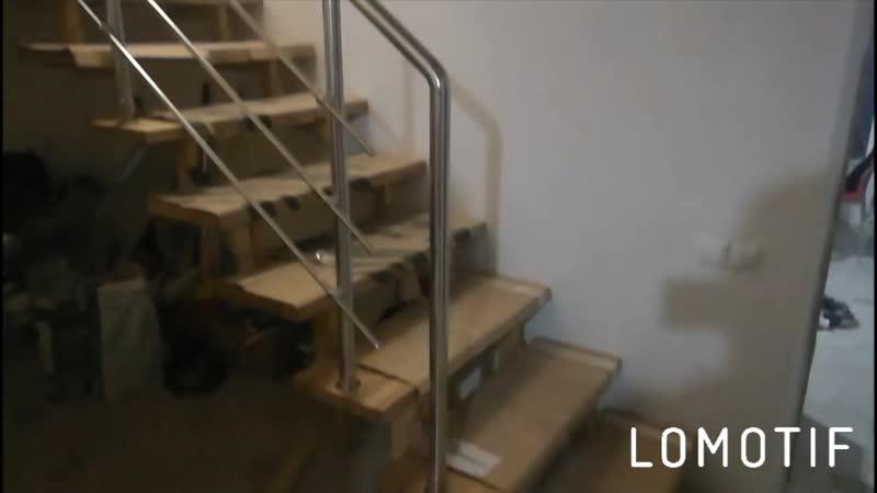 Современная лестница с хромированным ограждением.ул.Машиностроителей.КОМПЛЕКС ГРУПП.тел89174601999
