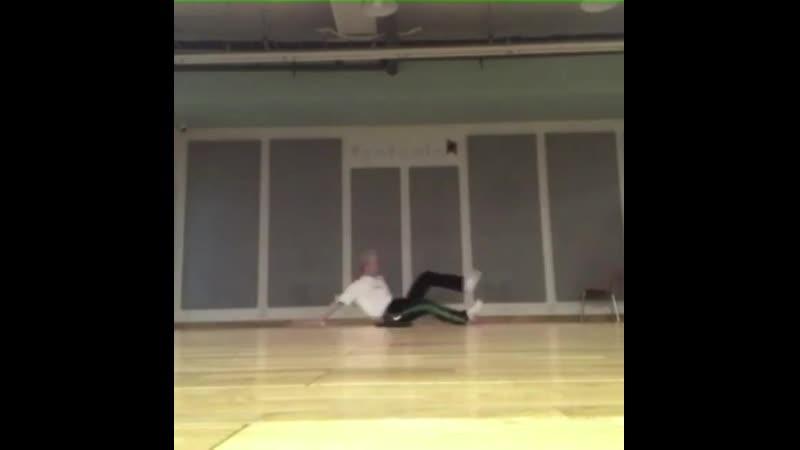 저번 일본콘때 했던 개인안무 연습영상 제가 짜긴했지만...도저히 안무가 안 나올때는 아래영상에서 나오는 동작을 카피해 만들었어요~ justin_bieber l_ll_show_you(PURPOSEThe_Movement) 연습