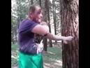 ОЧЕНЬ ОПАСНЫЙ БОЕЦ, может двумя пальцами вынуть кадык или ребро у противника